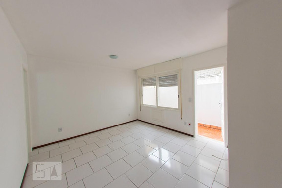 Studio No 2º Andar Com 1 Dormitório - Id: 892985734 - 285734