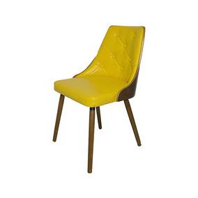 Cadeira Com Encosto Vergado Amarelo Com Pés Em Madeira