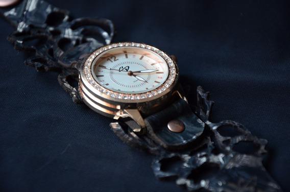 Relógio Feminino Pulseira Cortada A Laser Em Couro-promoção
