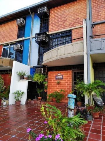 Townhouse En Venta Nueva Casarapa 19-19566 Fn
