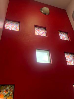 Hermosa Casa 4 Recamaras, Estudio, 3 Baños, Jardín, Esquina.