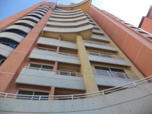 Apartamento En Venta En La Trigaleña Valencia 19-16911valgo