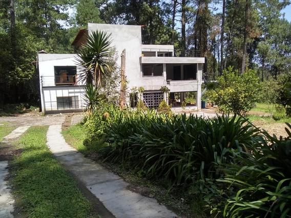 Casa En Venta En Cerro Gordo, Avandaro, Valle De Bravo, Estado De Mexico. De 3 Recamaras, 3 Niveles