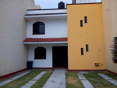 Casa En Metepec De Tres Recámaras, Cuarto De Servicio