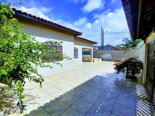 Casa Na Praia, Com Piscina Somente R$270mil  Utilize Seu Fgts Como Parte De Entrada Whatsapp (13) 98174-2222 - Ca0762