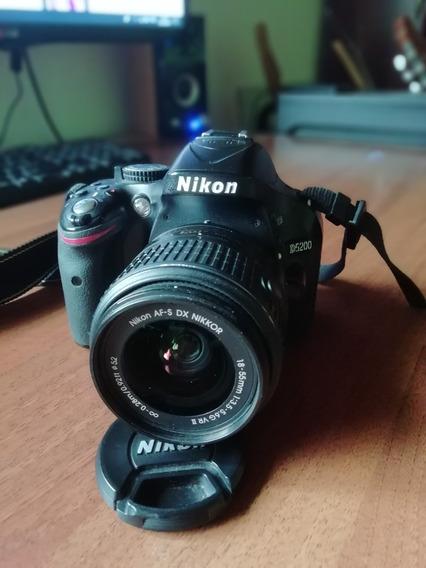 Cámara Reflex Nikon D5200 Kit 18-55 + Lente Nikkor 35mm 1.8f