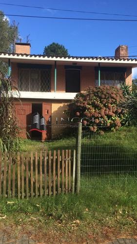 Venta - Casa - Buena Ubicacion - 3 Dormitorios - Ref: 883