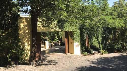 Hermosa Residencia En El Bosque En La Parte Baja De La Sierra Madre.