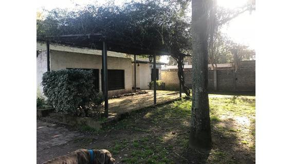 Hermosa Casa Quinta De 1200 M2, 3/4 Ambientes Con Pileta
