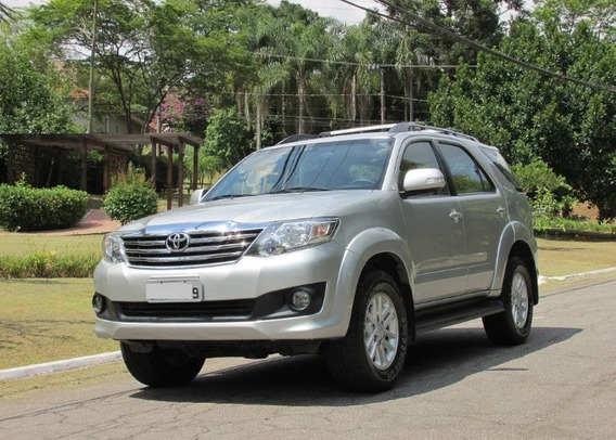 Toyota Hilux 2.7 Sr Cab. Dupla 4x2 Flex Aut. 4p 2014