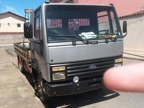 Caminhão Ford Cargo 814, Prata, Ano 2000 Conservado.