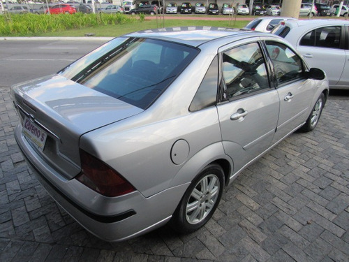 Ford Focus Sedan  Ghia 2.0 16v (aut) Gasolina Automático