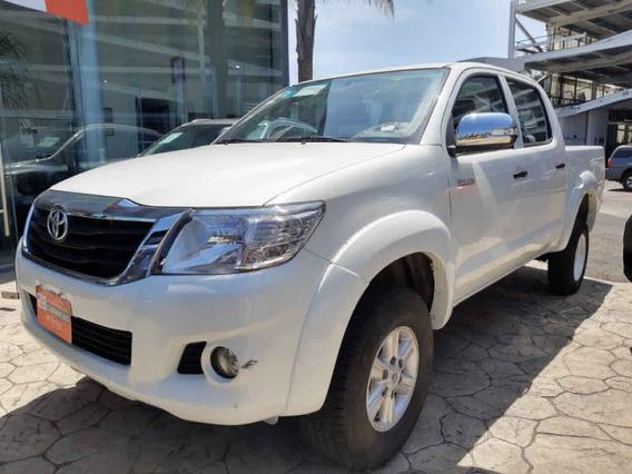 Toyota Hilux 2015 4p Doble Cabina Sr L4/2.7 Man