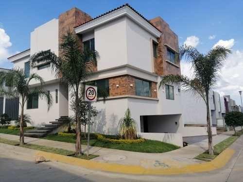 Se Vende Casa Nueva En La Colonia La Cima, Zapopan, Jal.