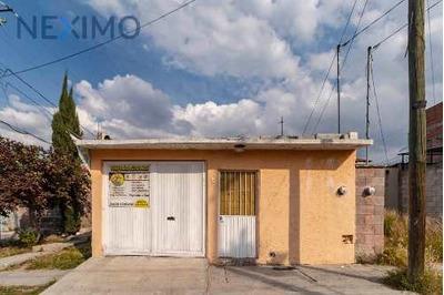 Casa A La Venta En Las Águilas, San Juan Del Río, Querétaro