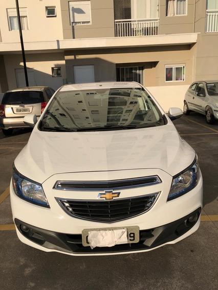 Chevrolet Onix 1.4 Branco 15/15. Único Dono. Revisões/conces