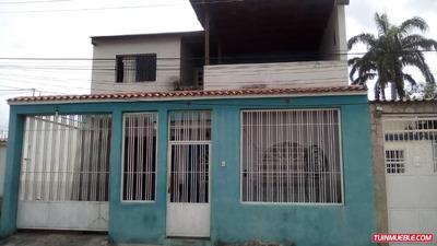 Sky Group Vende Casa En Urb, Las Delicias