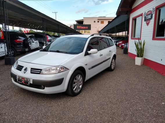 Renault Megane Grand Tour 1.6 Dynamique Hi-flex 5p 2013