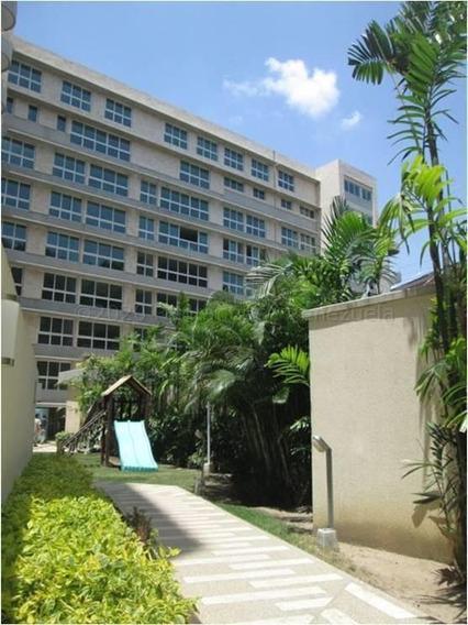 Apartamentos Lomas De Las Mercedes Mls #21-6158