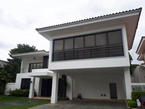 Costa Del Este Comoda Casa En Alquiler Panama
