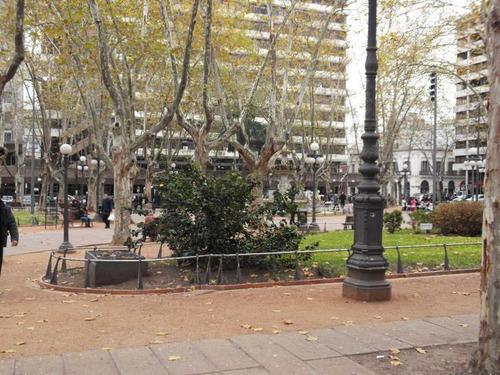 Excelente Local Sobre Peatonal Sarandi Con Renta