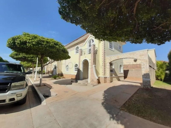 Se Vende Townhouse En El Milagro Mls #20-6961