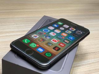 Celular iPhone 7+