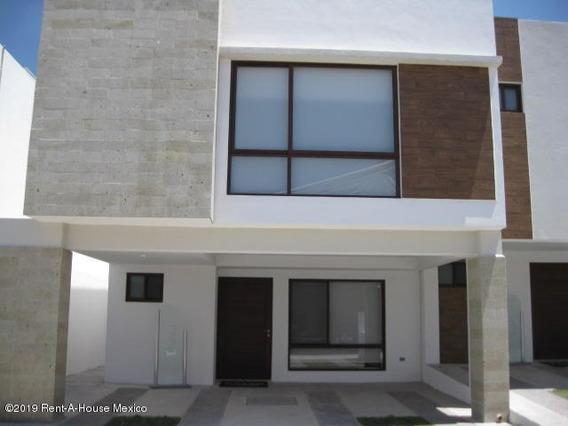 Casa En Venta En Zibata, El Marques, Rah-mx-21-95