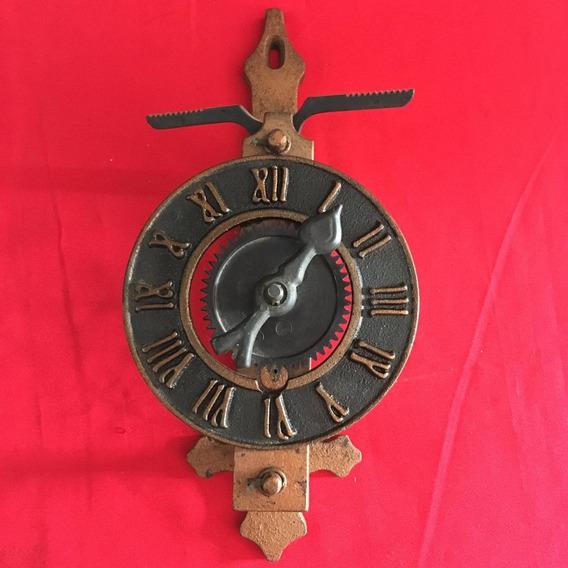 Relógio Antigo De Parede Ferro Colonial Ñ Pulso 1373