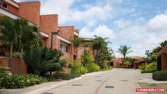 Casas En Venta 19-3534 Astrid Castillo 04143448628