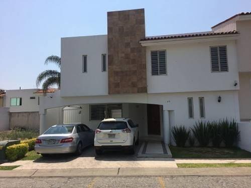 Fracc. Jardín Real... Casa Con Hermosos Acabados $4,800,000