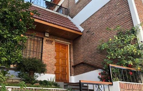 Imagen 1 de 14 de Casa 4 Ambientes Con Garage, Quincho Y Terraza En Boedo