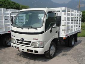 Hino 300 2010