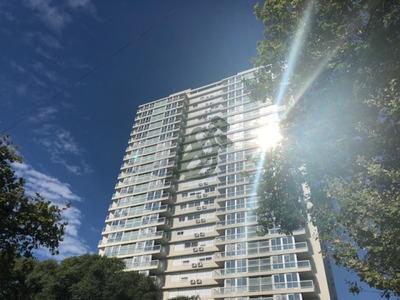 Apartamento De Dos Dormitorios En Alquiler En Barrio Sur - Ref: 2595