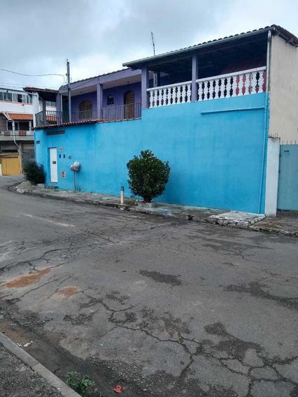 Casa 5 Quarto Sendo Uma Suíte E 3 Banheiros Com Área De Chur