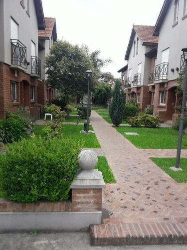 Triplex En Venta Village Muñiz 4 Ambientes C/ 2 Baños Cochera Condominio Piscina