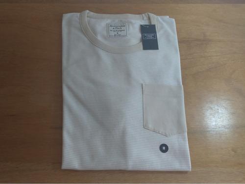 Imagem 1 de 8 de Tshirt Abercrombie Masculina Original Bolso Importada Eua