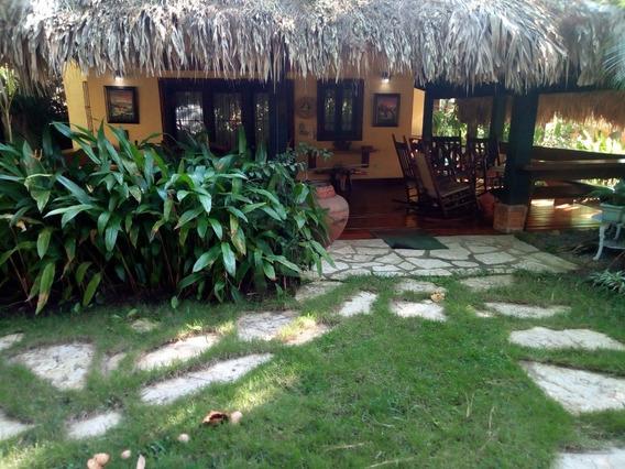 Villa Jarabacoa Jacuzzi Bbq Cabaña En Madera
