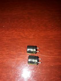 100 Unidades Capacitor Eletrolítico 4v 680uf