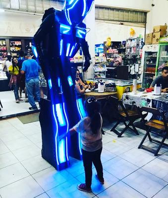 Locação De Robô De Led Para Festas Contato 12 9 91880917