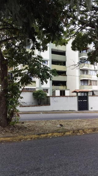 San Cristobal, Acacias, Edificio Las Carolinas