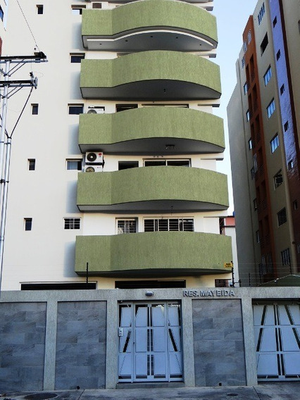 Cómodo Apartamento Urb. El Bosque 04121301093