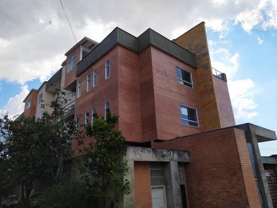 Amplio Apartamento En La Av Principal De Pueblo Nuevo