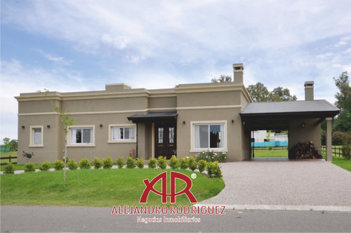 Casa En La Concepción Club De Campo, Luján