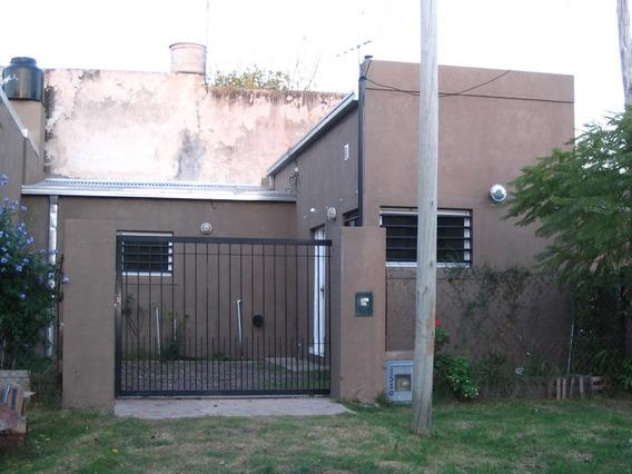 Casa 1 Dormitorio Pb Garage City Bell En Esquina