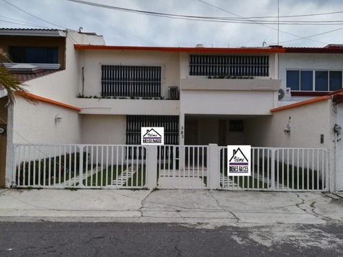 Casa Sola En Venta Costa De Oro 2da Secc