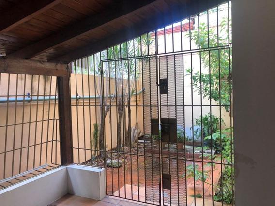Apartamento Soterrado Con Terraza Y Patio