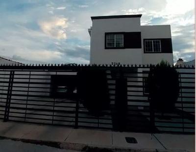Fraccionamiento Los Nogales Muy Bonita Con Terrenazo 3 Rec