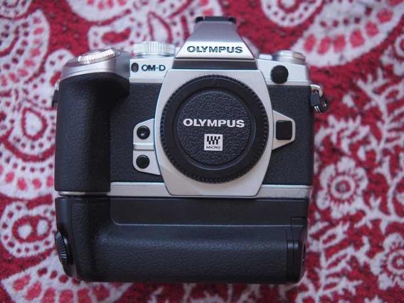 Olympus M1 Corpo + Hand Grip Usado Mas EmPerfeito Estado