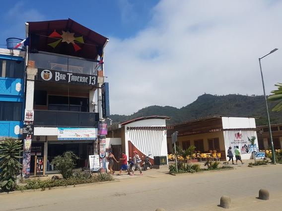 Edificio Nuevo 3 Pisos. Puerto Lopez - Malecon